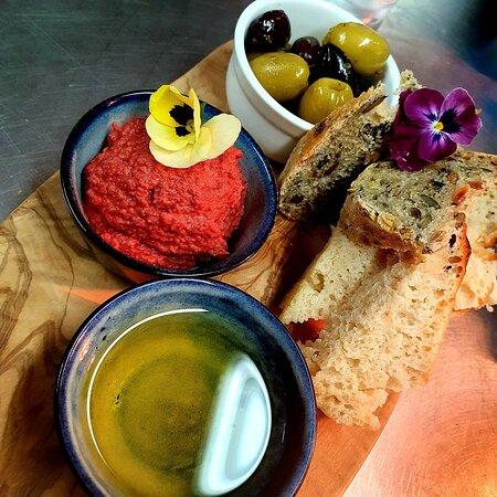Beetroot hummus, fresh pumpkin seed bread, kalamata olives, dipping oil.