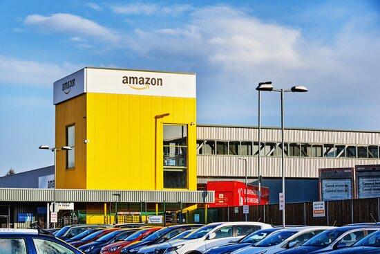 Dunfermline, UK: Amazon Fulfilment Centre Tours EDI4