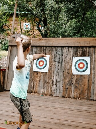 Can you hit the target? 🎯🤩 Try your hand at archery, visit pony express, monster hunting, trampolines, reptile expo, dinosaur riding, mini zoo, various playgrounds as a part of our rich offer in #dinoparkfuntana 🎯🐎🎡🦖