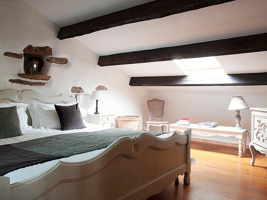 The Old Dairy - Apt 5 - Parents bedroom