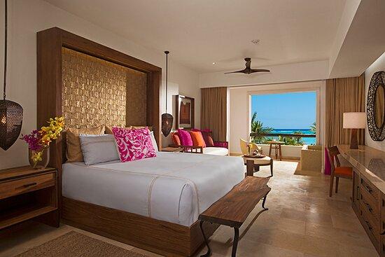 Junior Suite tropical view - breakfast at the terrace: imagen de Secrets Akumal Riviera Maya - Tripadvisor