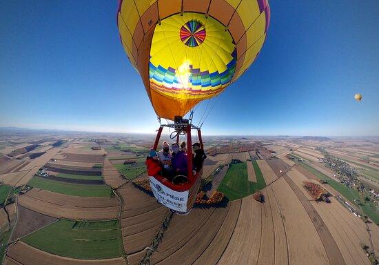 Saint-Jean-sur-Richelieu, Canada: Montreal montgolfiere 2020  #envolezvous