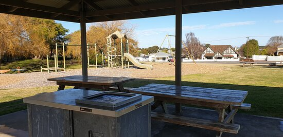 Millicent Visitor Information Centre  SA     BBQ area with playground behind