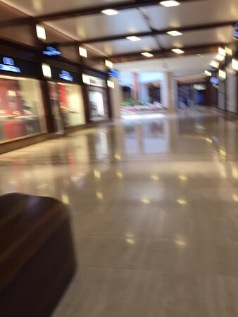 The_Arcades _The_Avenues