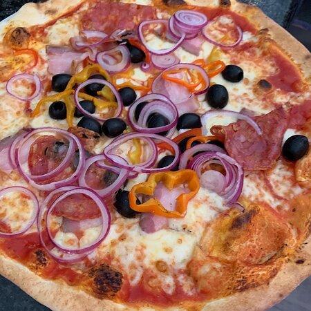 Riazzino, Suisse: Le pizze 😃