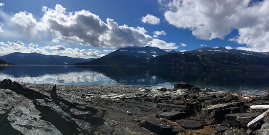 Riondel, Canadá: at the lake