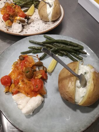 Fish with oven potatoes
