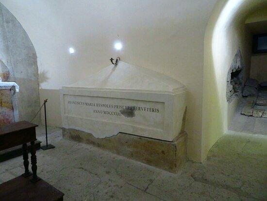 La tomba del principe Francesco Maria Ruspoli