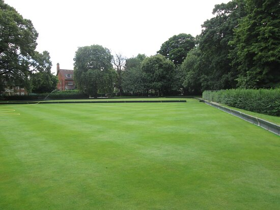 The bowling greens.