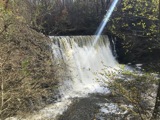 The waterfall at mid-morning