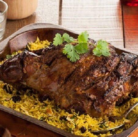 Мартиника: gigot d'agneau salade de riz 10€ bon appétit 😋 (57 rue Isambert 97200 Fort de France)