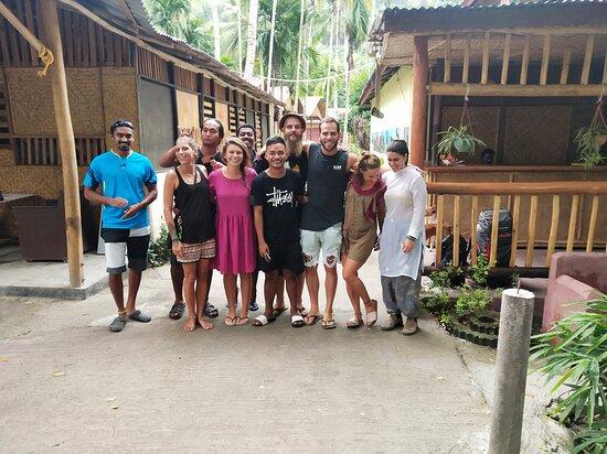 Đảo Havelock, Ấn Độ: Ben  Israel ,Anna Newsiland,Sabrina German,Mayaan Israel and friends make party