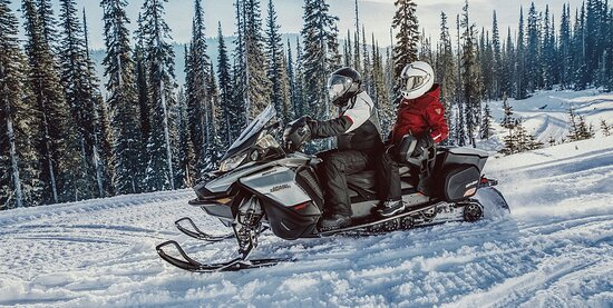 Sunriver, OR: Ski Doo Snowmobile Rental - 600cc Grand Touring Ski Doo $250