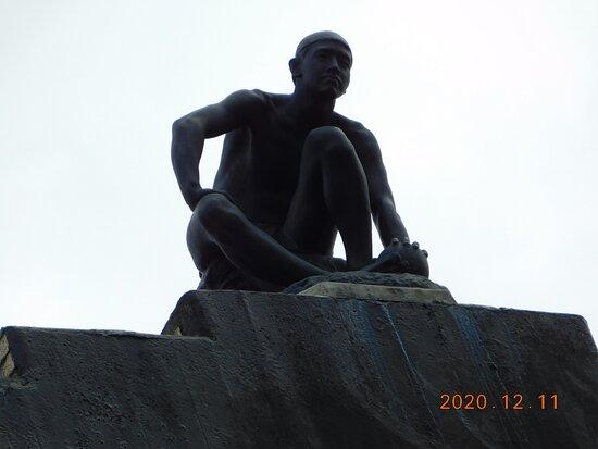 3階屋根上の彫像