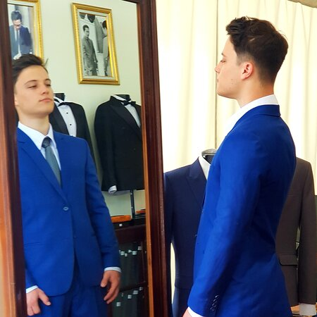 Bali, Indonesia: Made to measure suits by Royalman Tailor
