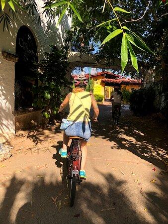 Ixtapa bike tour: riding through Ixtapa