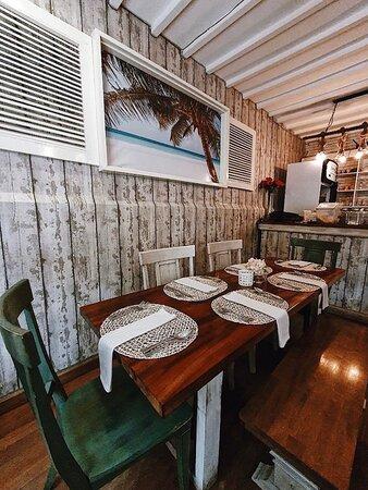 Beautiful Interior. Nice Caribbean Food.