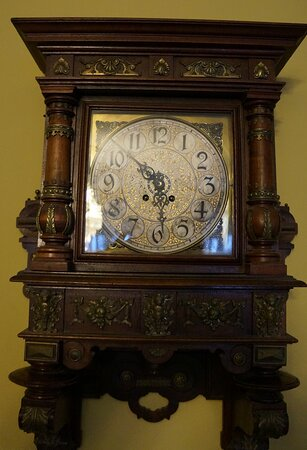 """Старинные часы, Частный музей """"Музыка и время"""""""