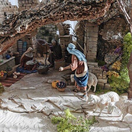 Galapagar, Spain: Con la luz del mediodía el Belén de casa.