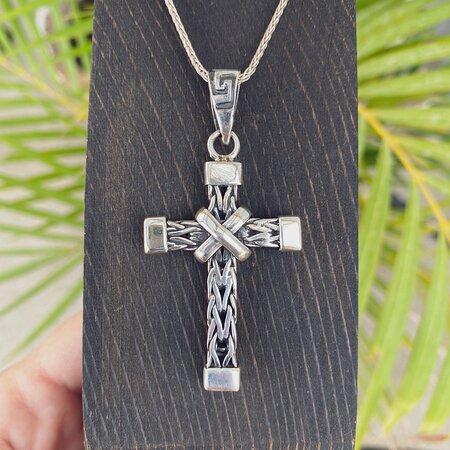 de la fuente heavy cross pendant p#1872