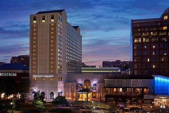 Rude Check In Clerk And Bed Bugs Review Of The Ritz Carlton Pentagon City Arlington Va Tripadvisor