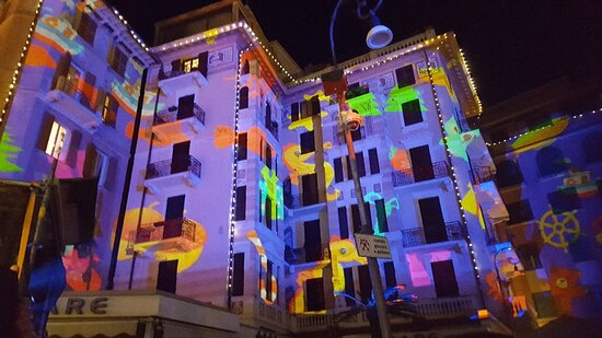 Il centro storico di Rapallo con le bellissime luminarie natalizie.