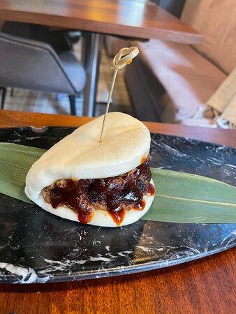 Pan bao con solomillo de cerdo desilachado