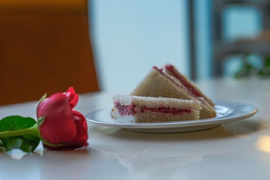 Panjim, Ấn Độ: Beetroot + Curd + Paneer Sandwich