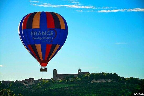 Burgundy varmluftsballongtur fra Vezelay
