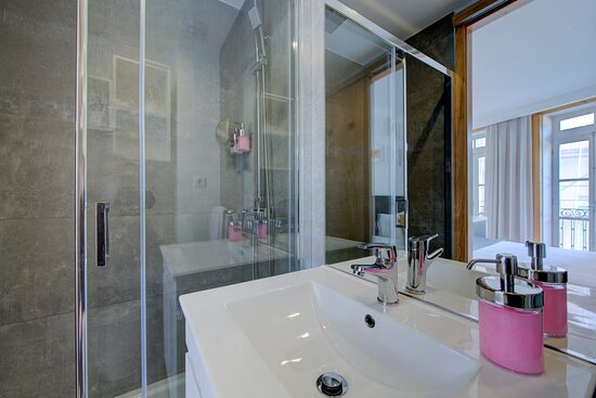 WC suites standard