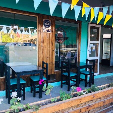 EL Manzano, Chile: Un nuevo rincón en el lago rapel, donde puedes hacer tus tardes mucho más dulces ❤️🌟