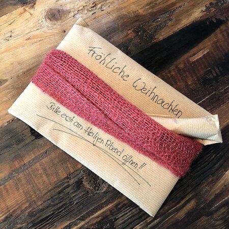 Next Christmas gift is on the way  🎅🎁🙋♀️🙋♂️ Your wine 🍷 | Your piece of Mallorca 🏝 g r a p e v i n e  s p o n s o r s h i p DE.WeinFeldSineu.com EN.WeinFeldSineu.com weinfeld.sineu@gmail.com P҉R҉E҉-O҉R҉D҉E҉R҉ & P҉A҉Y҉ L҉A҉T҉E҉R҉ DE.WeinFeldSineu.com/pre-order EN.WeinFeldSineu.com/pre-order You could find us on INSTAGRAM: instagram.com/Weinfeld.Sineu ☀️ #weinfeldsineu #mallorca #redwine #whitewine #wine #rebenpatenschaft #grapevinesponsorship #weinemallorca #rotwein #weißwein #weinstock