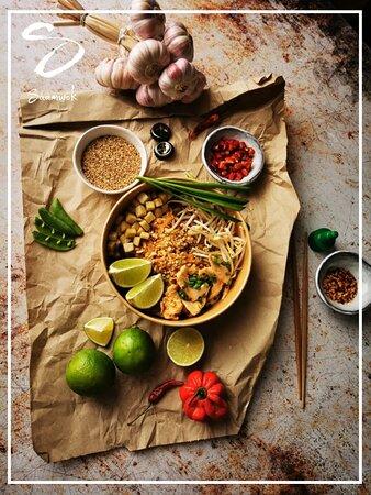 Voici notre Pad-Thai au poulet (CH).