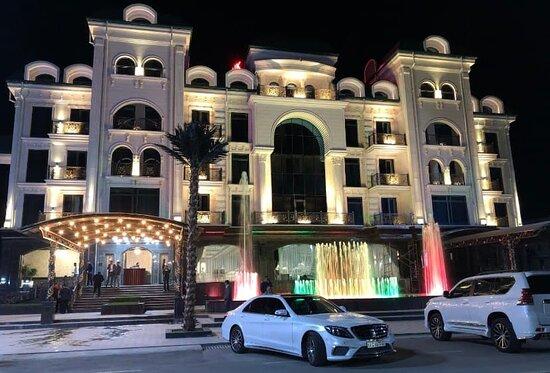 appearance of Tinchlik Plaza hotel
