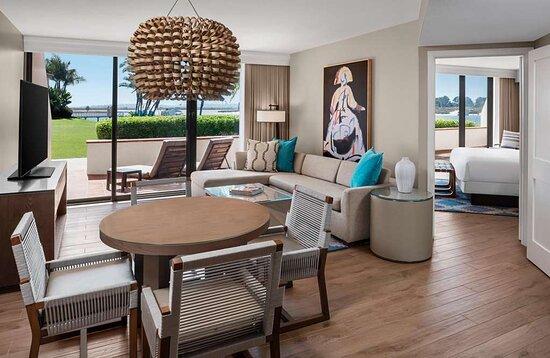Waterview Junior Suite Living Room