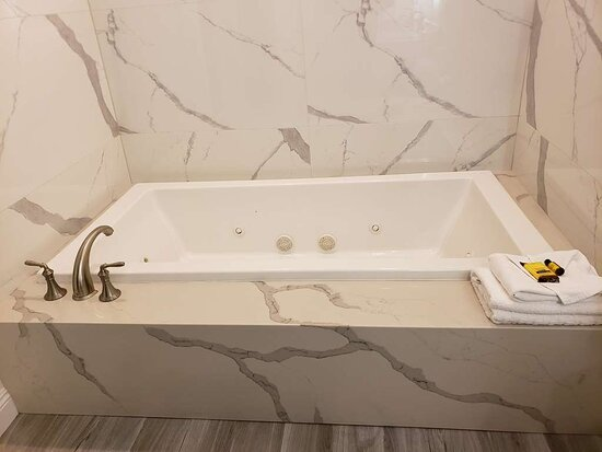 Two Room Suite Jacuzzi Tub