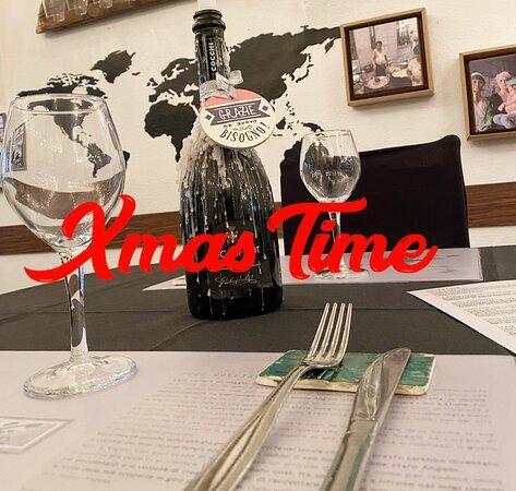 Aperti dalle 11 alle 18,  prenotazione ai tavoli obbligatoria