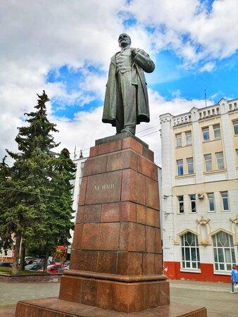 Памятник В И Ленину