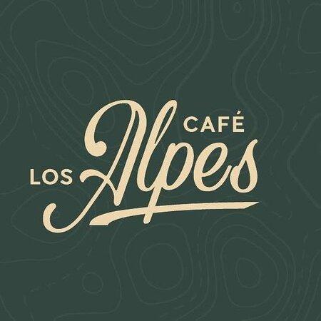 Cafetería Los Alpes, te ofrece desayunos, meriendas, postres, helado, tapas, cocteles y copas en un ambiente fresco, con un estilo vintage, donde puedes disfrutar con tus amigo y familiares