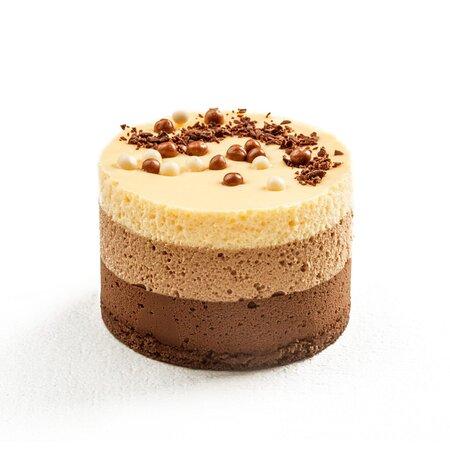 TRICOLORE (100g):  Harmonija crne, mlečne i bele Callebaut čokolade.  TRICOLORE (100g):  A harmony of dark, milk, and white Callebaut chocolate.