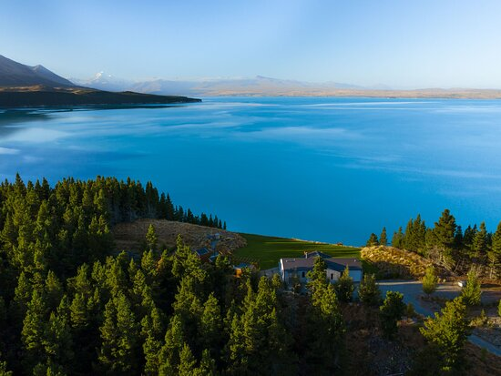 Mt Cook Lakeside Retreat, High Country Estate and Luxury Villa Collection