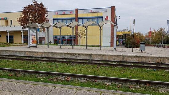 Deutschland, Frankfurt (Oder), EDEKA Center Frankfurt. Herbst 2020