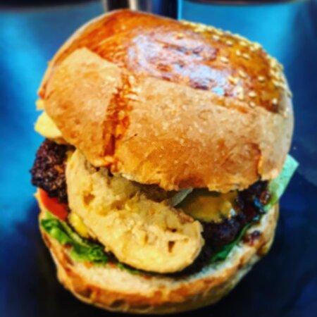 Πείνασες; 📞2713006152📞 και μέχρι να πεις DrunkDog έφτασε στην πόρτα σου! —————————————————— #Tripoli #Burgers #DrunkDog #HandMade #Delivery #Arcadia