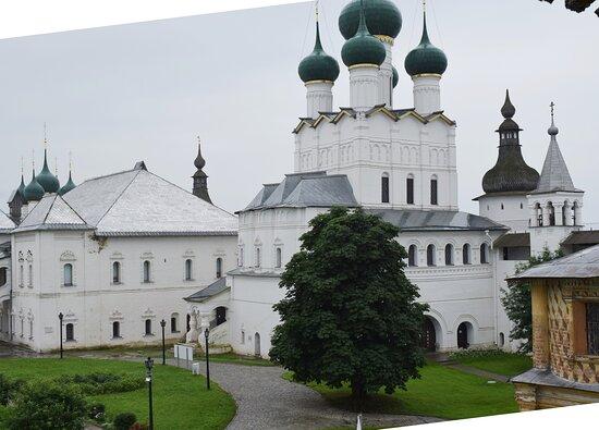 Vladychiy Dvor