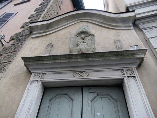 Edificio Via S. Maria Fulcorina 7