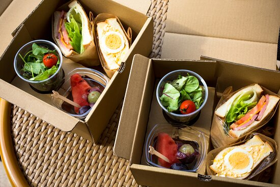 <選べる町の人気店朝食>【コーヒースタンド福寿湯】サンドイッチボックスをルームサービス