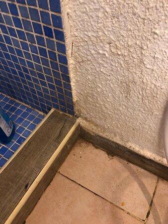 Угол в ванной