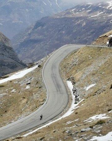The climb to Luz Ardiden ski station - Never very crowded!
