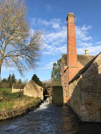 Upper Slaughter, UK: Lower Slaughter water mill