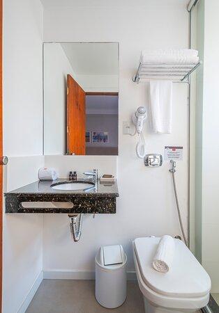 Banheiro do quarto Standard Triplo